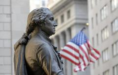 george-washington-memorial in front of the federal hall with american flag, w - stock photo
