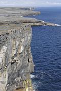Cliffs and dun aengus fort, inis mor, aran islands, ireland Kuvituskuvat