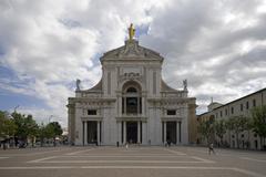 basilica santa maria degli angeli, basilica of saint mary of the angels, assi - stock photo