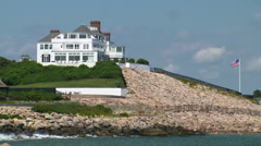 Taylor swift's summer home in rhode island tight to wide zoom Stock Footage