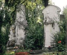 Graves of strauss and brahms - central cementary - vienna - austria Kuvituskuvat