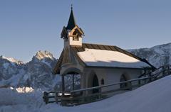 Chapel st. joseph in front of wilder kaiser, ritzau-alm, kaisertal, kitzbuehe Stock Photos