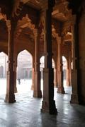 Pillar hall fine arts in sandstone in indian style akbar mosque fatehpur sikr Stock Photos