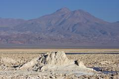 Salt formations covering the ground of the reserva nacional los flamencos at  Kuvituskuvat