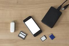 Electronic devices on a desk Kuvituskuvat