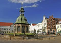 BRD Deutschland Mecklenburg Vorpommern City Wismar at the Market Square with - stock photo