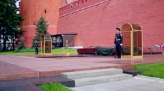 Honor guard near the monument Tomb of the Unknown Soldier in Alexander Garden Stock Footage