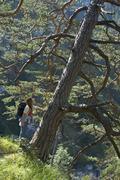 Women hiking mountain hiking on the way to the hohen fricken kuhfluchtfälle  Kuvituskuvat