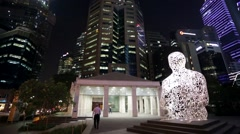 """Singapore soul"" statue at night Stock Footage"