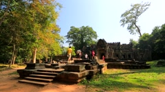 Tourists visit Preah Khan temple Stock Footage