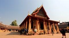 Tourists visit Wat Si Saket temple Stock Footage