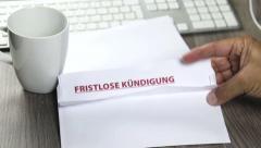 Notice of termination, fristlose Kuendigung (german) Stock Footage