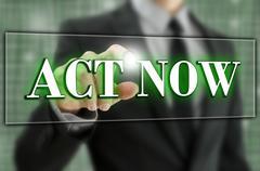 Act now text in a computer navigation bar Stock Photos