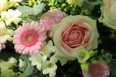 Bridal flower arrangement in pink and white Stock Photos