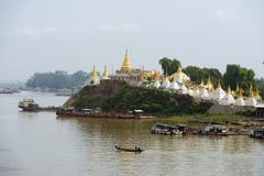 Shwe kyet yet temple and ayeyarwady (irrawaddy) river, mandalay, myanmar (bur Stock Photos