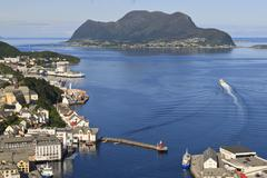 View from aksla hill over alesund harbour and out to the open sea, more og ro Stock Photos