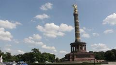Traffic around berlin victory column Stock Footage