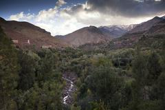 The high atlas mountains with a dusting of winter snow on the higher peaks, t Stock Photos