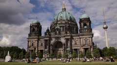 Berlin Cathedral Tourists Relaxing People Enjoy Sitting Weekend Grass Picnic Day Stock Footage