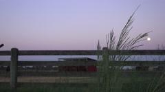 COWBOY RANCHER, aamukahvin ja kuu Arkistovideo