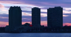 Sunset behind apartments in the city of Philadelphia, Pennsylvania. Stock Footage