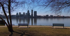 A beautiful park overlooks Louisville, Kentucky and the Ohio River. Stock Footage