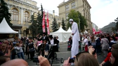 Street performers at Neglinnaya Street. Stock Footage