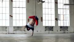 Kaveri tanssi breakdance vanhassa hallissa Arkistovideo