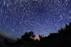4K. Starry sky over the reservoir in Kremenchuk. Mountain Piviha. Kremenchuk Stock Footage