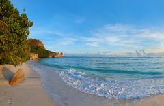 Tropical beach source d'argent at seychelles Stock Photos