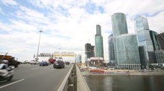 Traffic on Dorogomilovskiy bridge and business complex Stock Footage