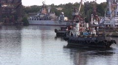 Old tow ship and warship Stock Footage
