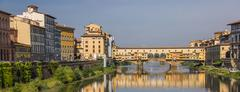 River arno and ponte vecchio in florence Stock Photos