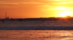 Sunset Por do sol surf waves Stock Footage