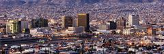 Interstate 10 on the Border of El Paso, Texas, USA, and Juarez, Mexico Kuvituskuvat