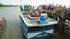 Boat Taxi Offloads Passengers in Latin America Stock Footage