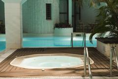 Hot tub and swimming pool in hotel Kuvituskuvat