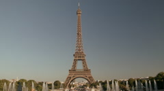 The Eiffel Tower. Jardins du trocadero in Paris.  Stock Footage