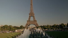 The Eiffel Tower seen from the Jardins du trocadero Stock Footage
