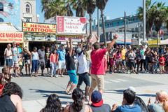 Venice, us-october 5, 2014: venice beach boardwalk is 2.5 miles in length and Kuvituskuvat