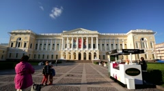 People visit the Russian museum. Stock Footage