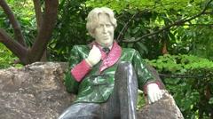 Oscar Wilde Statue Stock Footage