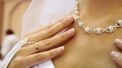Bridal pearl necklace Stock Footage