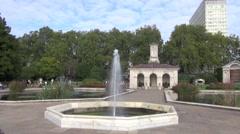Kensington Gdns fountain Stock Footage