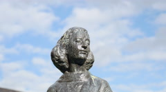 Anne Frank statue head Stock Footage