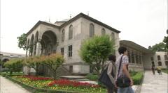 Tourists in Topkapı palace Stock Footage