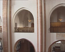 ROSKILDE CATHEDRAL pan nave with Gallery and the Renaissance royal pew Stock Footage