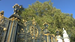 Canada Gate & autumn trees, Green Park, London, UK. Stock Footage