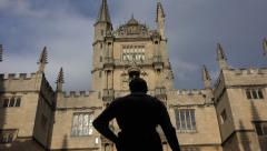 Statue of the earl of pembroke, oxford university bodleian library, england Stock Footage