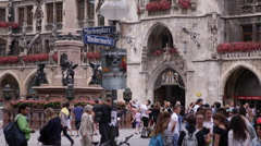 Marienplatz Munich Street View Tourists Visit Crowd Passing Traveler Traveling Stock Footage